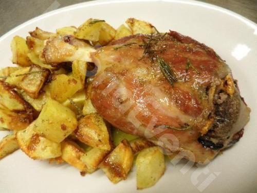 Stinco di maiale con patate arrosto